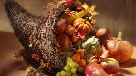 1283886751_thanksgiving-cornucopia